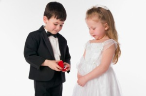 1001-little-boy-proposing-to-little-girl_we